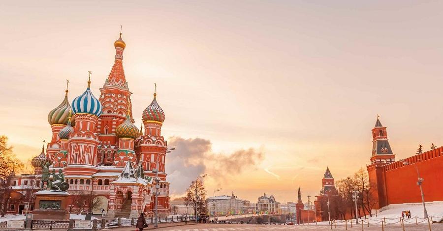 یک جعبه مداد رنگی؛ تفاوت بزرگ مسکو و تهران