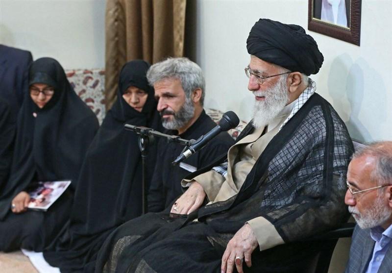 دیدار خانواده شهید حججی با رهبری (عکس)