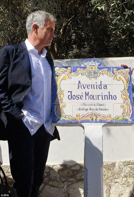 نامگذاری یک خیابان در پرتغال به اسم مورینیو (+ عکس)