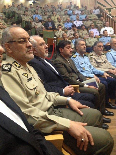 حضور ظریف در دانشگاه فرماندهی و ستاد ارتش (+عکس)