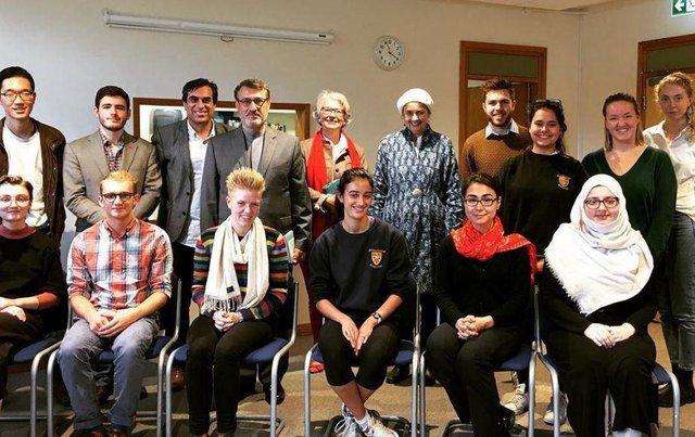 دیدار سفیر ایران در لندن با اساتید و دانشجویان ادبیات فارسی در دانشگاه کمبریج