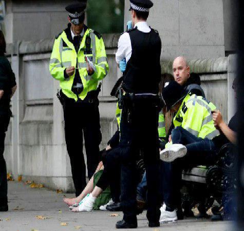 حمله خودرویی به مردم در لندن با 11 زخمی (+عکس)/ پلیس: تروریستی نیست