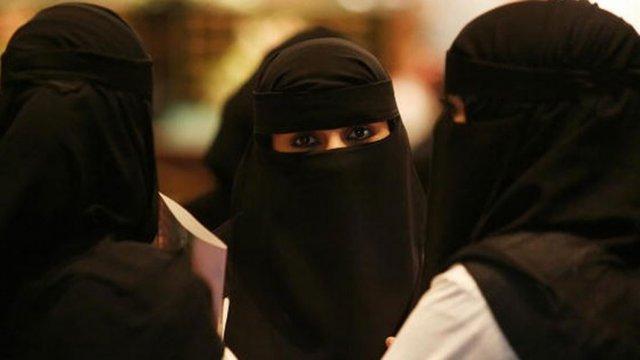 زنان عربستان میتوانند رانندگی کنند، اما هنوز با اسمشان خطاب نمی شوند