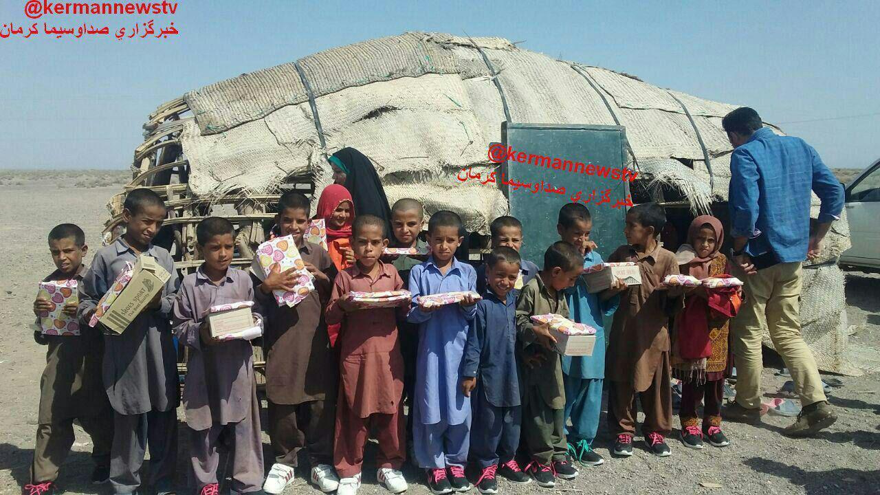 دانش آموزان مدرسه کپری (عکس)