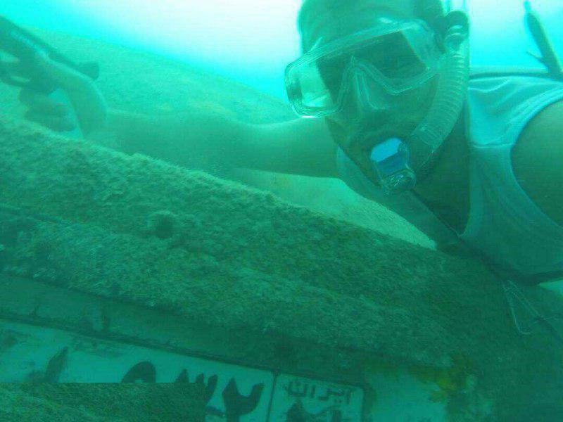 پیدا شدن خودرو در اعماق دریا (عکس)