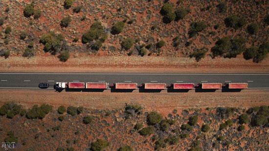 رکوردشکنی لندرور با کشیدن قطار ۱۱۰ تنی! (+عکس)