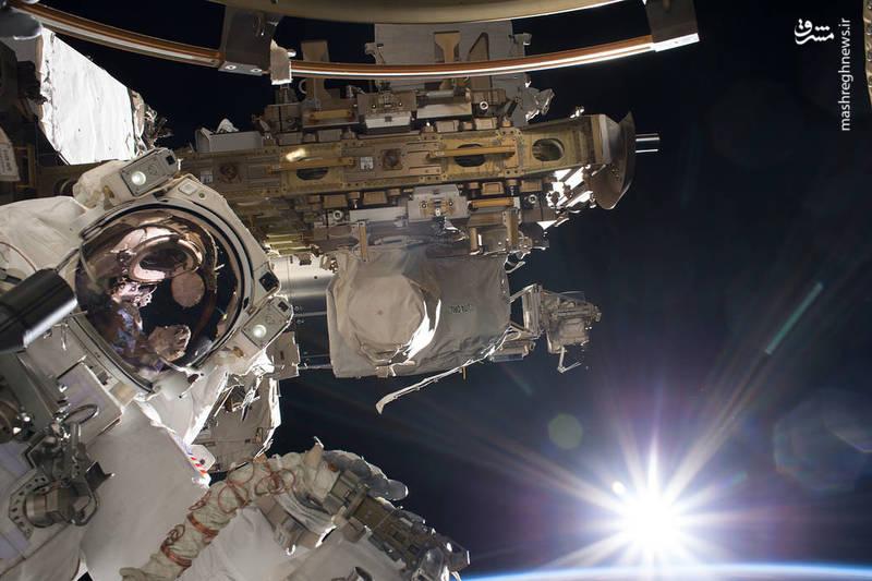 طلوع خورشید از نگاه یک فضانورد (عکس)