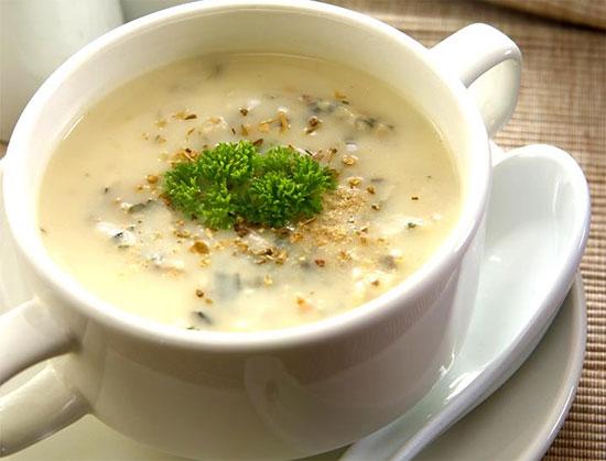 طرز تهیه سوپ قارچ و بروکلی