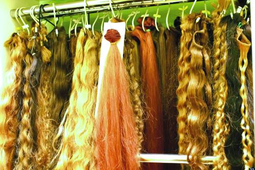 خرید و فروش موی دختران در مرکز تهران / قیمت: از 100 هزار تومان تا بالای 5 میلیون