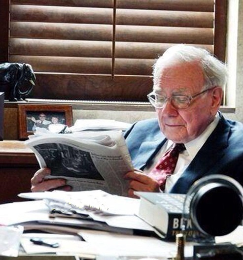 این شخص حرفهایترین کتابخوان جهان است (+عکس)
