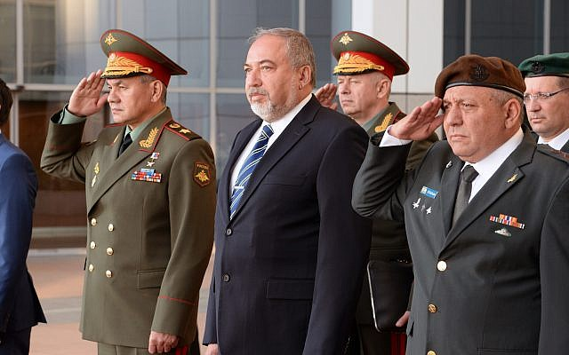 تهدید وزیر دفاع اسراییل: اگر ایران به مرز ما نزدیک شود، اقدام می کنیم