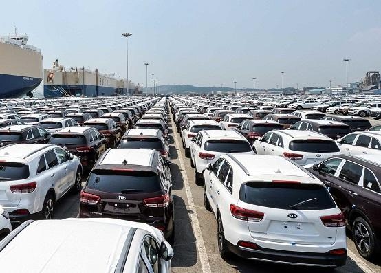 وزیر صنعت اعلام کرد: ارائه اصلاحیه ثبتسفارش واردات خودرو به هیات دولت