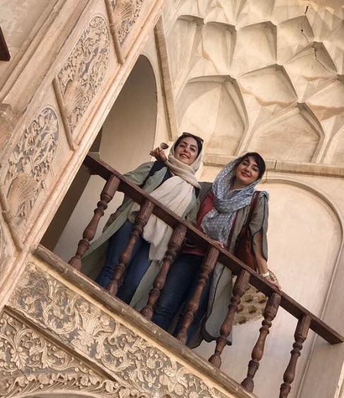 هانیه توسلی و خواهرش (عکس)
