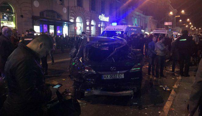 برخورد خودرو با مردم در اوکراین/ 5 کشته و 6 زخمی