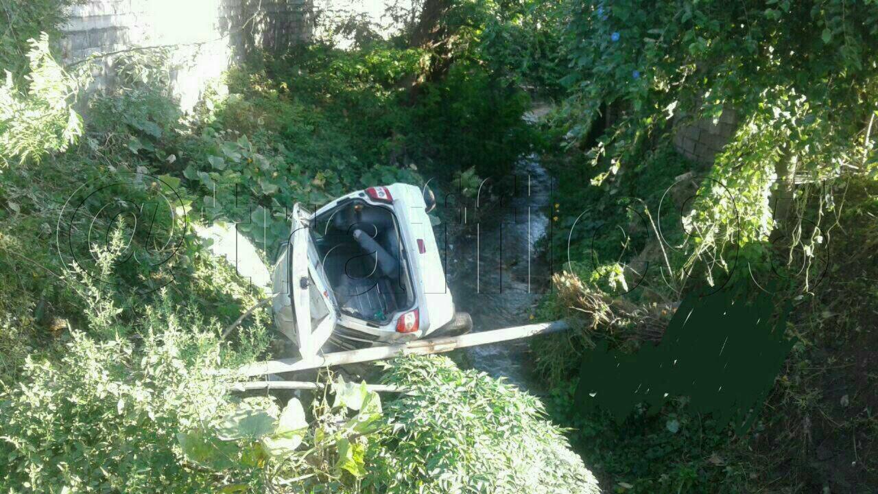 سقوط پراید به دره در مازندران (عکس)