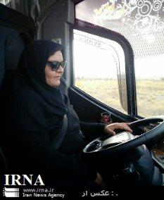 زنی که راننده اتوبوس شد (+عکس)