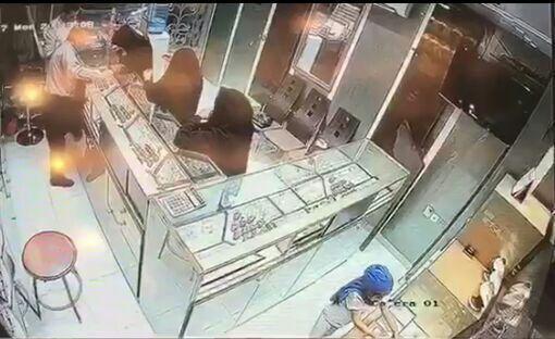 پلیس فارس در جست و جوی دختربچه و 3 زن سارق