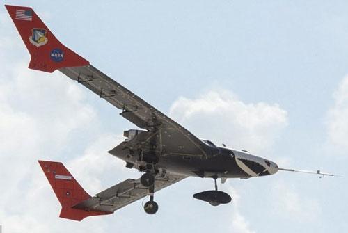 هواپیمایی با بالهای منعطف ساخته میشود (+عکس)