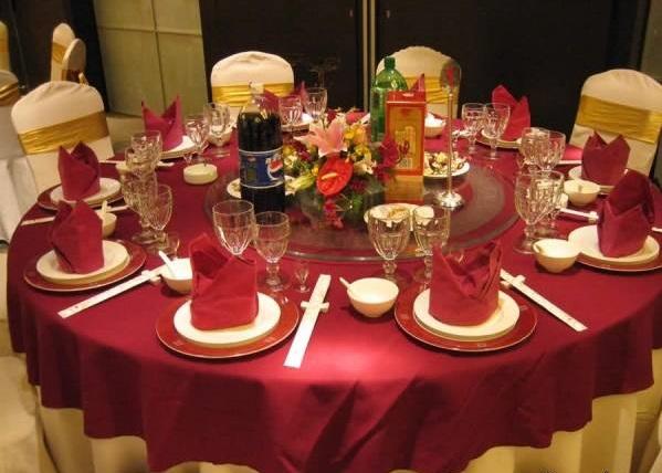 تکنیک های حرفه ای برای چیدن میز شام