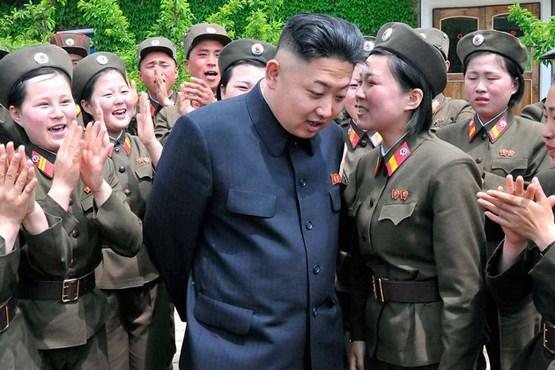 ختران کرهای آماده جنگ با ترامپ  (+عکس)