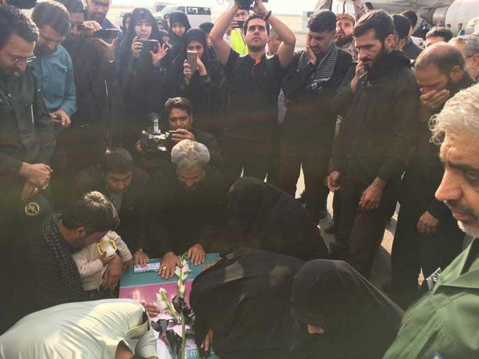 پیکر شهید حججی در پاویون فرودگاه مشهد (+عکس)