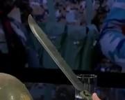 ویدیو ی تکان دهنده :چاقویی که داعش با آن سر می بُرد (فیلم)