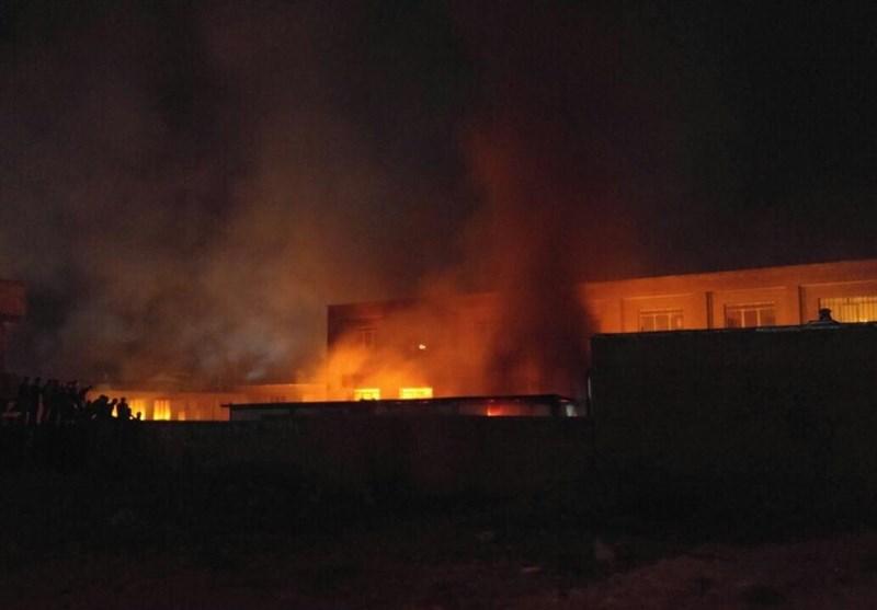 مدرسه جنجالی ارومیه به آتش کشیده شد/ تعرض جنسی به دختر دانش آموز صحت ندارد / سرایدار مدرسه بازداشت شد / دستگیری تعدادی از مهاجمان به مدرسه