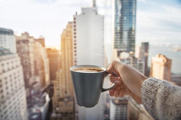 با معده خالی قهوه ننوشید!