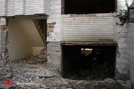 یک ساختمان در کهریزک روی سر 3 نفر آوار شد