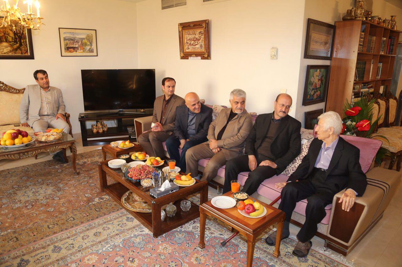 دیدار استاندار قزوین با دکتر اشراقی استاد تاریخ دانشگاه تهران