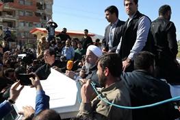 روحانی: کمک و وام بلاعوض به زلزلهزدگان اختصاص مییابد