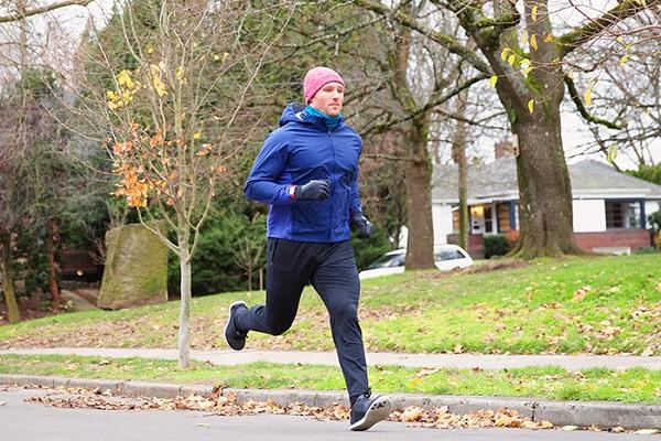 از فواید سلامت دویدن در آب و هوای سرد