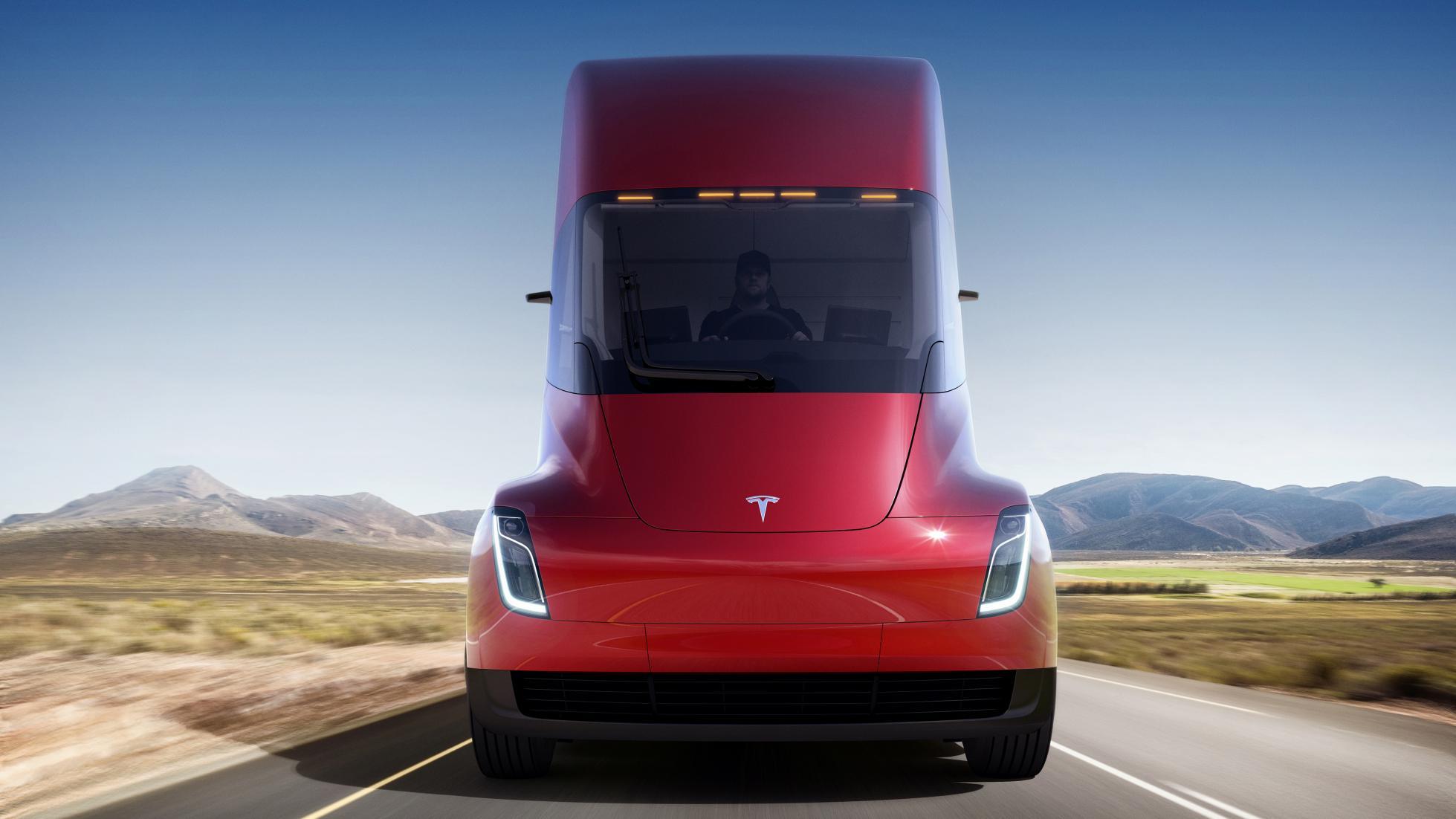 شتاب صفر تا صد یک کامیون بی راننده در 5 ثانیه