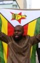 زیمبابوه؛ مخالفت موگابه با استعفا / تظاهرات خوشحالی از سرنگونی موگابه