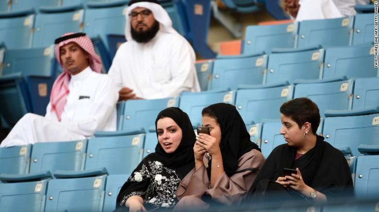 ورود زنان سعودی به استادیوم های ورزشی آزاد شد