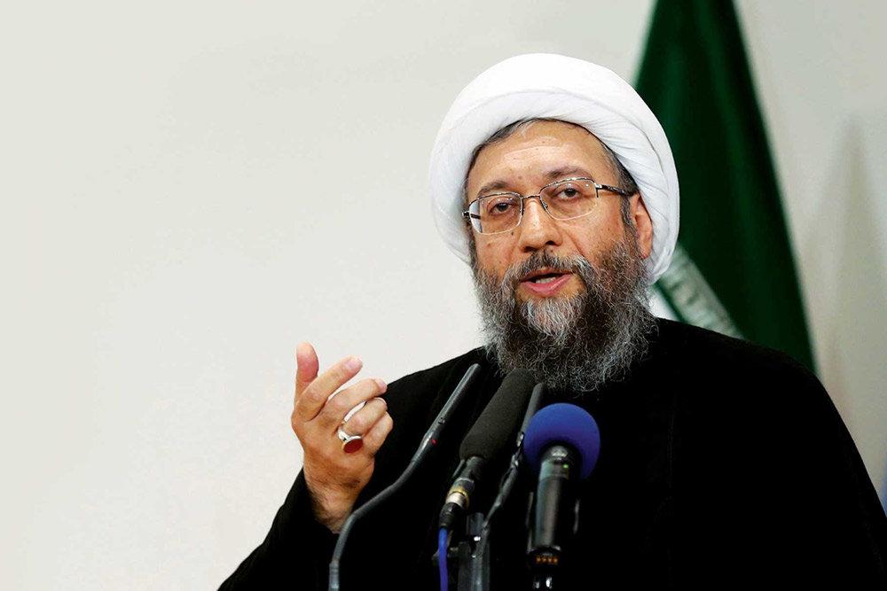 آیتالله لاریجانی: یک آقایی در طول چند دقیقه صحبت کردن، شاید 50 حرف خلاف واقع علیه قوه قضاییه و مسئولان دستگاه زد/ توجه نمیکنند که این، خیانت به جمهوری اسلامی ایران است