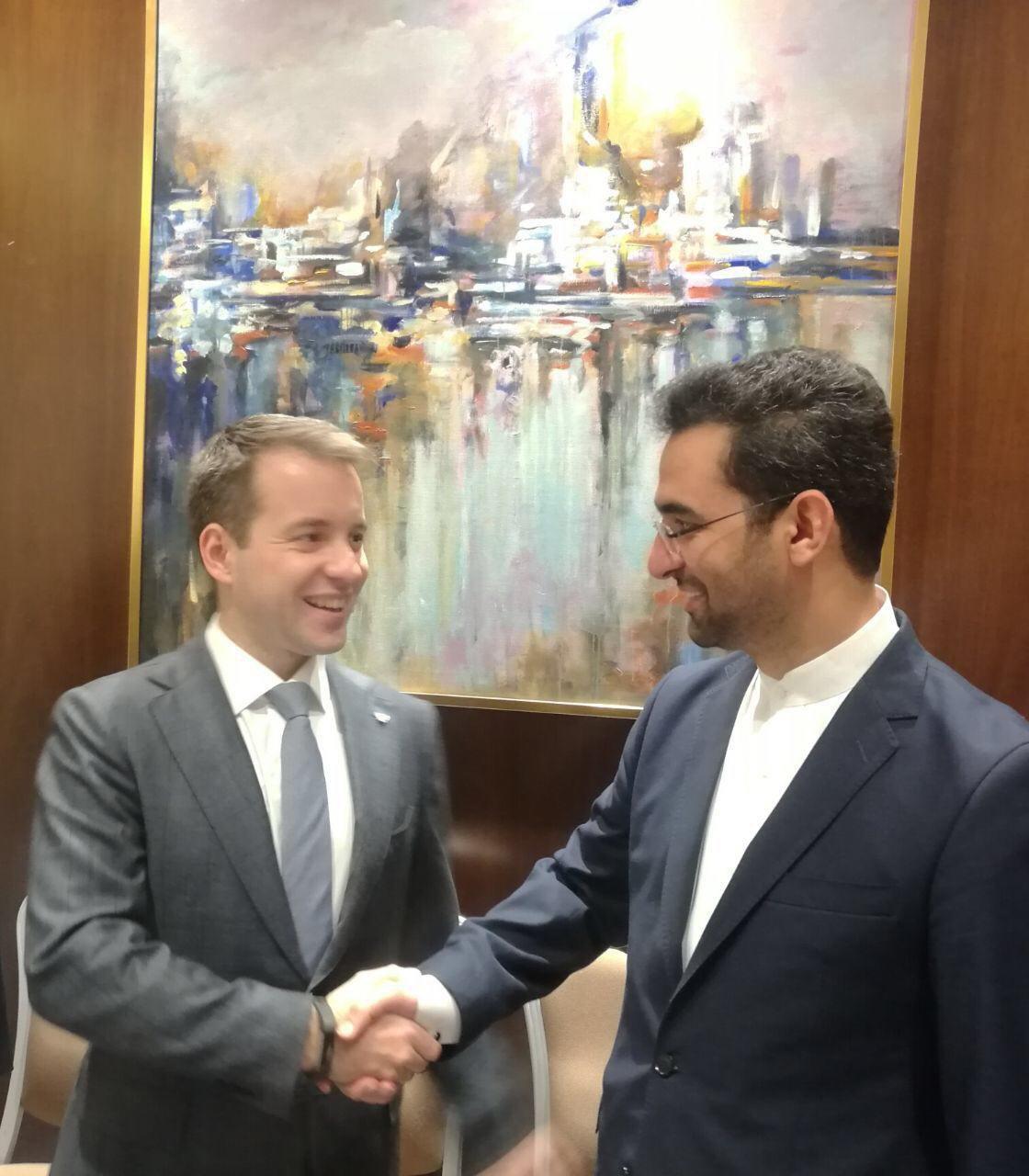دیدار 2 وزیر جوان وزارت ارتباطات ایران و روسیه (عکس)