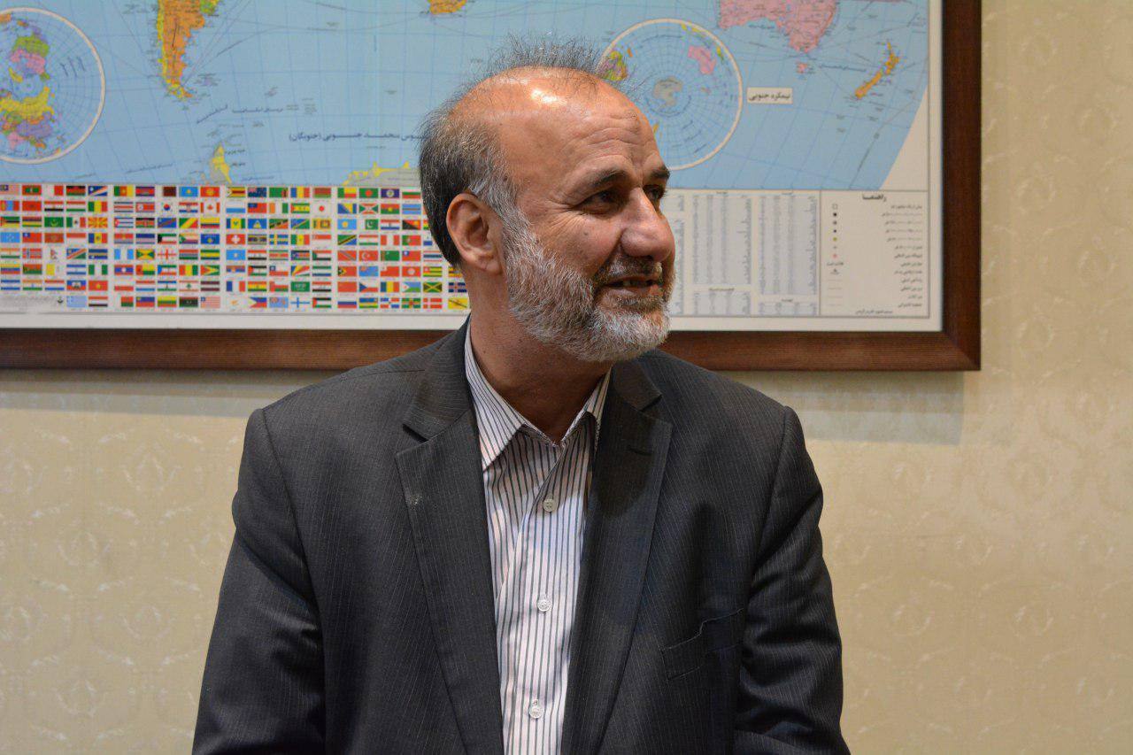 حسن بیادی:  احمدی نژاد آسیبهایی که در زمان دولتش به او زدند را سند کرده است/ کروبی الان راحتتر دکتر میرود/جامعه ما امیرکبیرکش شده است/اگر احمدی نژاد تخلف کرده بود، چرا شورای نگهبان در سال 88 او را تایید کرد