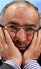 زیباکلام: من از هلالاحمر حلالیت طلبیدم اما صداوسیما باید هزار بار از نهادهای حاضر در زلزله حلالیت بخواهد