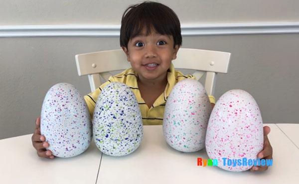 درآمد 11 میلیون دلاری کودک 6 ساله از یوتیوب (+عکس)