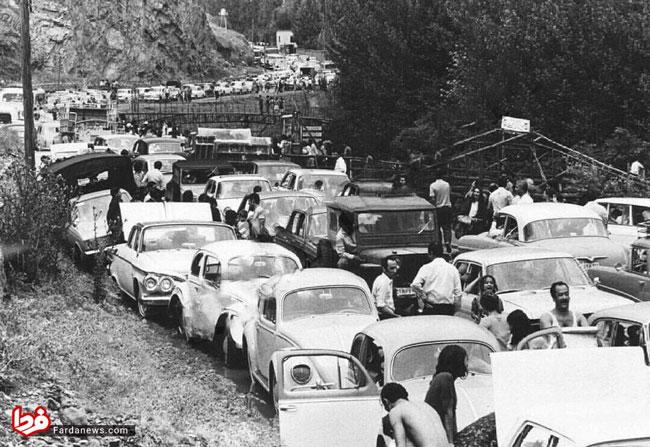 جاده چالوس، دهه 50 هم ترافیک داشت! (عکس)