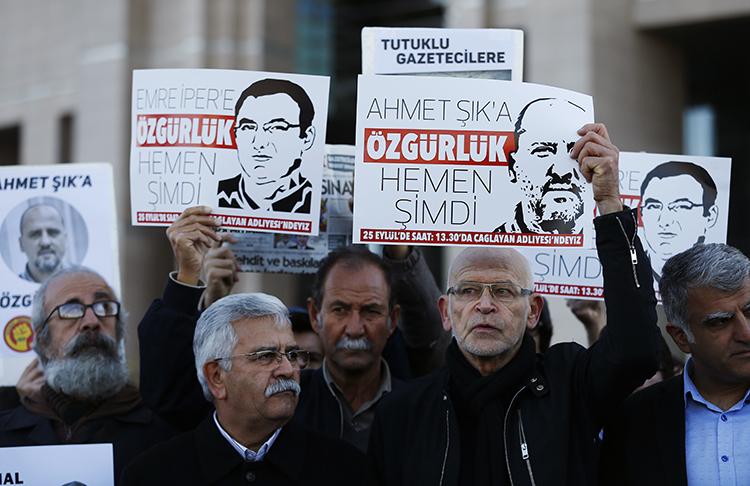 رکوردزنی تعداد روزنامهنگار زندانی در جهان