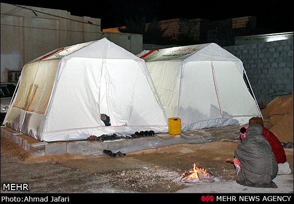 شبی در چادر زلزله زدگان بخوابید