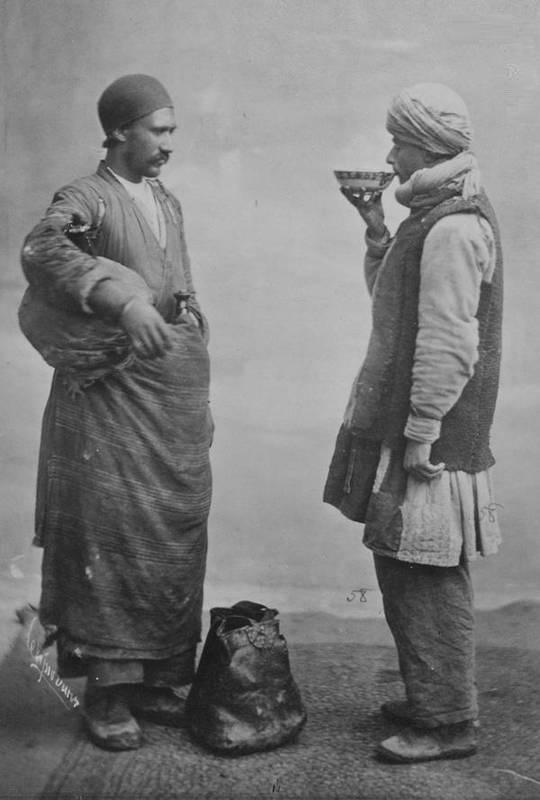 آبفروشی در زمان قاجار (عکس)