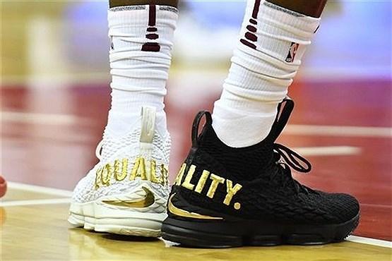 کفش های جنجالی و خبرساز یک بسکتبالیست (+عکس)
