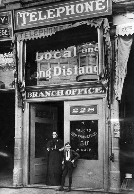 نخستین تلفن همگانی در لس آنجلس (عکس)