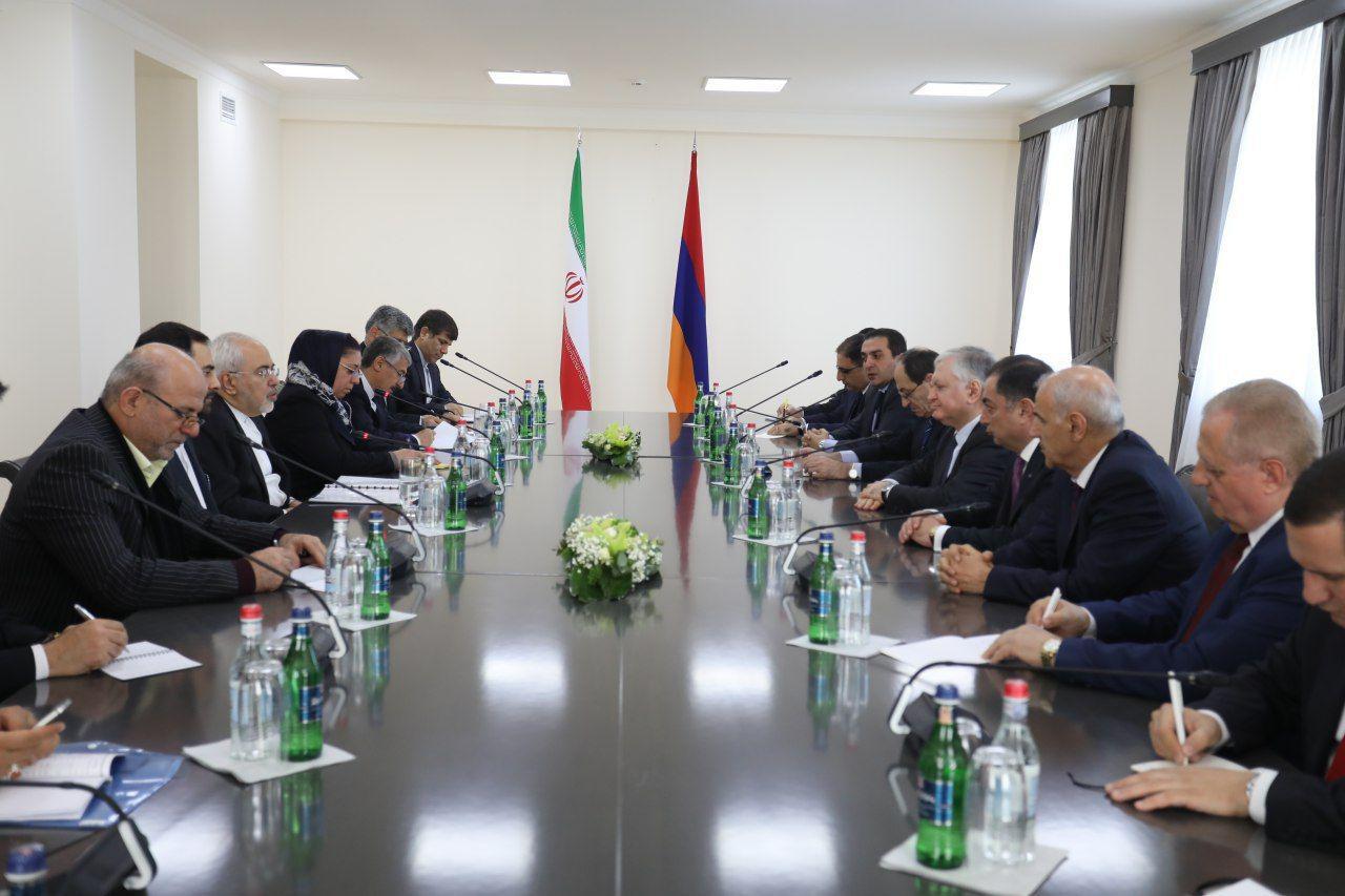 وزرای امور خارجه ایران و ارمنستان در ایروان دیدار و گفتگو کردند