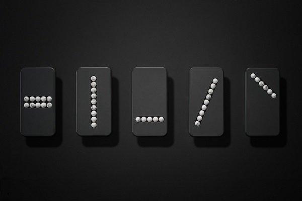 ترک اعتیاد تلفن همراه با این گوشی اسباب بازی (+عکس)