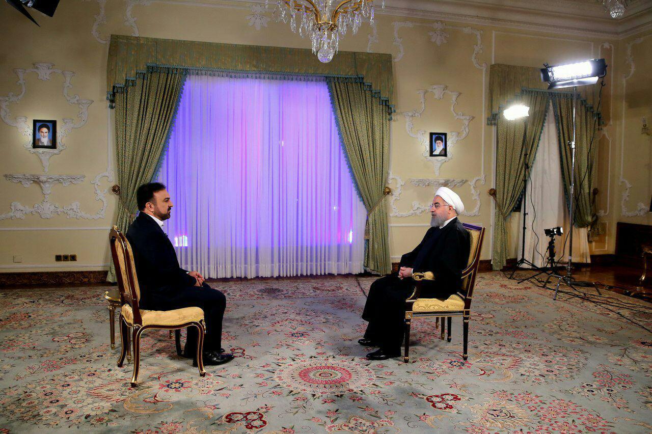 روحانی: هیچکدام از وعدههایم را فراموش نکرده ام/ مردم نگران نوسانات بازار ارز نباشند/ قدمهای اولیه ریشهکن کردن فقر مطلق برداشته شد
