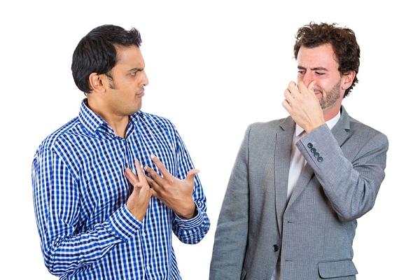 دلایل بوی بد بدن و روش های درمان آن